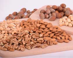 Daily nut servings may lower heart disease for diabetics